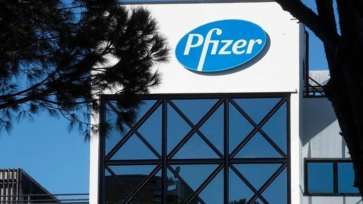 Η Pfizer ειδοποιεί για μείωση των παραδόσεων στην Ευρώπη