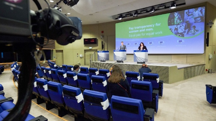 ΕΕ: Επιβολή προστίμων σε περιπτώσεις παραβίασης της μισθολογικής ισότητας ανδρών και γυναικών