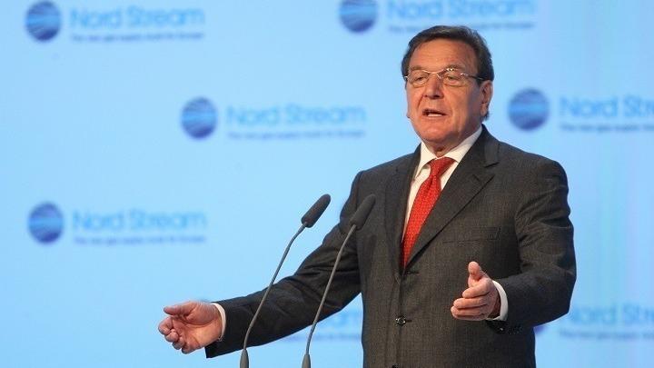Γκ. Σρέντερ: Να μην παρασυρθούν κα οι Ευρωπαίοι στον ψυχρό εμπορικό πόλεμο ΗΠΑ-Κίνας
